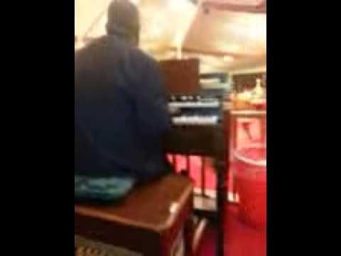 Show me them chords . com...!!!!!