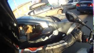 Dog attacks motorcyclist   Собака атакует мотоциклиста