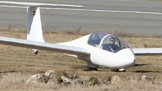 Uncontrolled Glider landing leads to crash