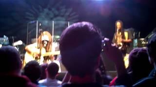 Смотреть клип Steel Pulse - Throne Of Gold