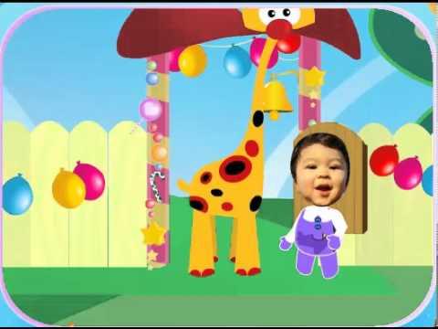 giraffe wallpaper for nursery