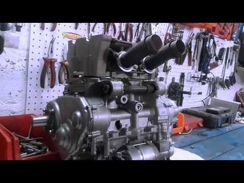 Как клинят четырехтактные двигатели снегоходы YAMAHA