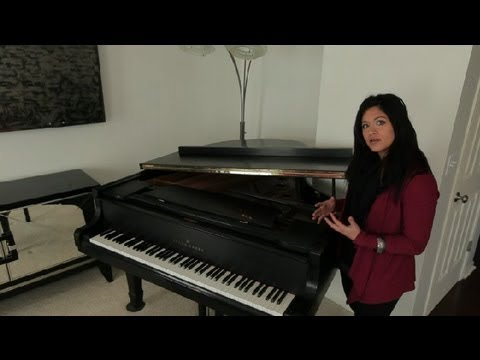 How to Open a Grand Piano : Piano Lessons