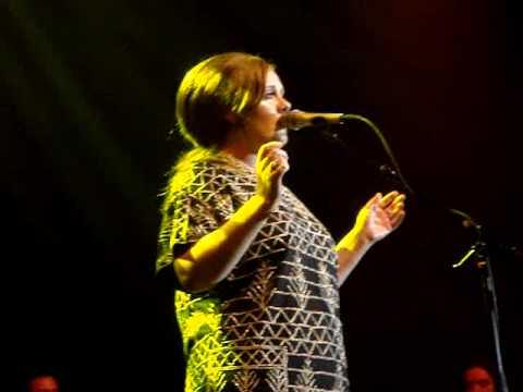 Adele - Tired live @ Oosterpoort, Groningen (04/18/09)