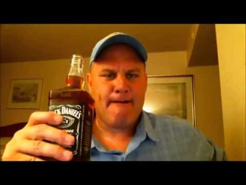 22 sn de 70cl Jack Daniel's İçen Adam