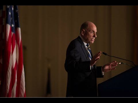 "Edward Klein talks ""The Amateur"" at the Nixon Library"