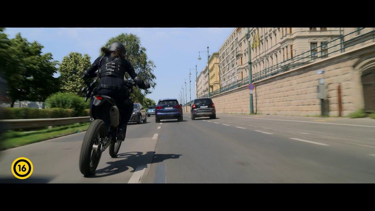 Fekete Özvegy (16) - szinkronizált filmrészlet: Van terved?
