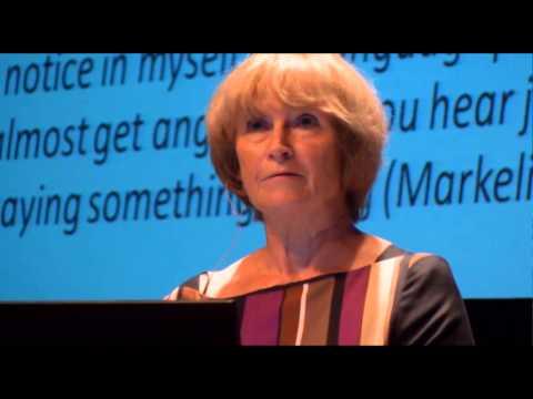 Language Shift - Tove Skutnabb-Kangas vs. Sue Wright