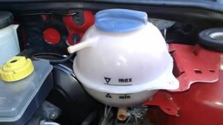 Como Fazer limpeza no reservatório de água de radiador do carro