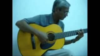 BAY GIO LA THANG MAY  2 )    (Tu Cong Phung} on Guitar