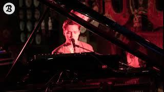 Tim Dup - Soleil noir (Live) au musée Victor Hugo