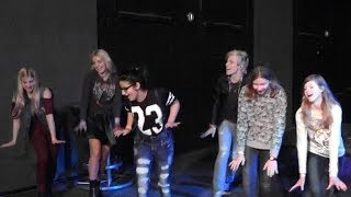 dancing with Ross and Rydel Lynch (R5) to Cruisin For A Bruisin' (Soundcheck Mannheim Germany)