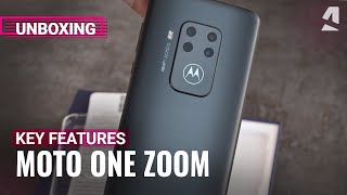 Moto One Zoom unboxing and key features