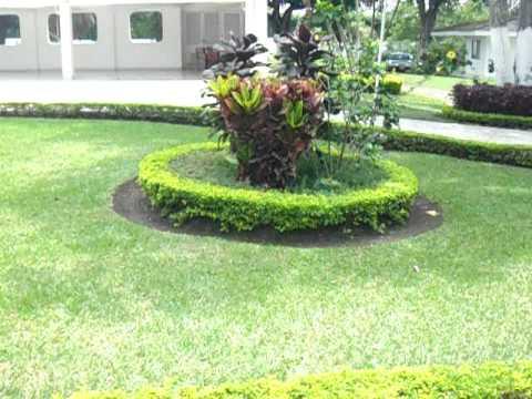 Casa campestre inti raimi jardines y hermosas zonas for Modelos de jardines en casa