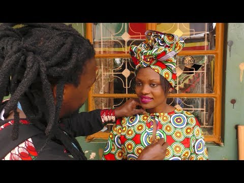 """""""Afro-fashion magician"""" who creates dresses in minutes"""