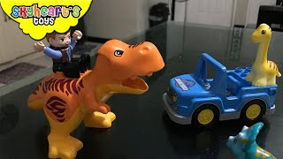 Jurassic World LEGO DUPLO toys! Skyheart builds lego for toddlers petting zoo trex tower