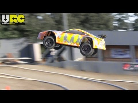 Exceed 1/8th Mad Drift offroad track run,...