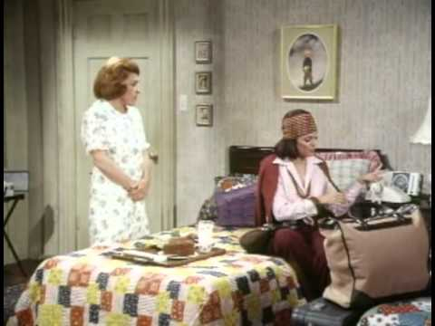 Rhoda - S01E02 - You Can Go Home Again