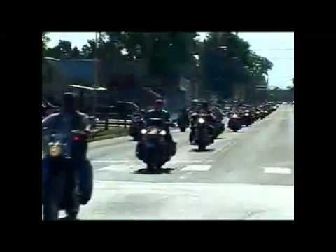 Veteran biker gang protects the funeral of a fallen soldier 3/5/11