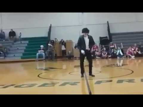 12 YEAR OLD BOY DOSE BILLIE JEAN BY MICHAEL JACKSON AT THE ROCKWOOD MIDDLE SCHOOL TALENT SHOW