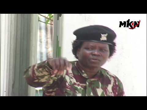 POLICE DRAMA IN KAKAMEGA AS AP OFFICER SLAMS HER SENIORS KWA KUMPANGA MAHALI HAKUNA PESA!