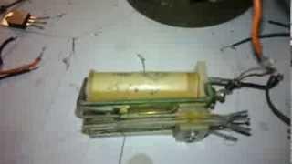 электроудочка начинка(в электроудочке заменена схема отечественная на генератор прямоугольных импульсов и транзисторного ключа., 2014-02-12T05:40:01.000Z)