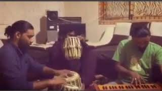 Download Bari Dor Say Aye Hay Fareed uddin Sabir ka sadqa By sabri brother MP3 song and Music Video