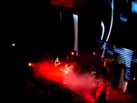 Anika Moa Running Through the Fire (LIVE)