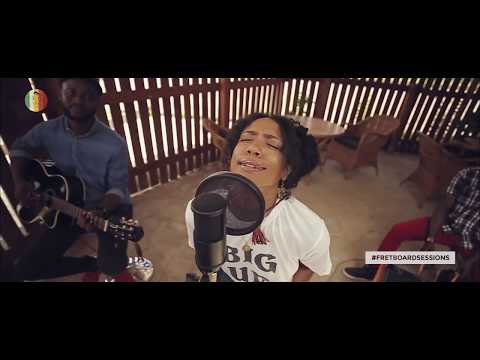 Fretboard Sessions 5 - MusicalLunatics x Y'Akoto - Acoustic Live Version of Moving.