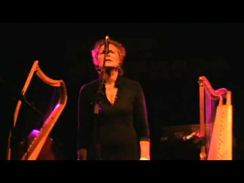 EMMANUELLE PARRENIN - Plume Blanche, Plume Noire (23-04-2011, Live au Point Ephémère, Paris)
