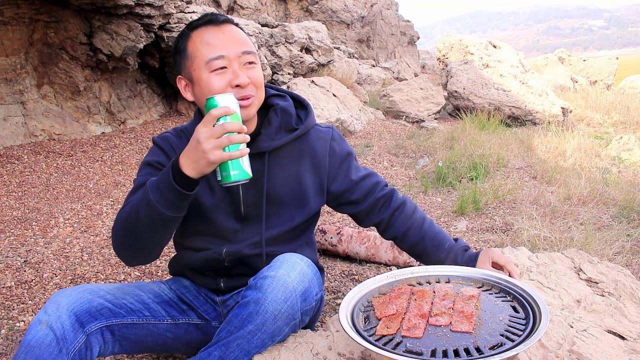 教你如何享受户外生活,一盘烤肉让你忘记烦恼