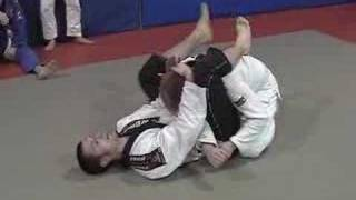 Brazilian Jiu Jitsu - Guard break attempt to triangle choke