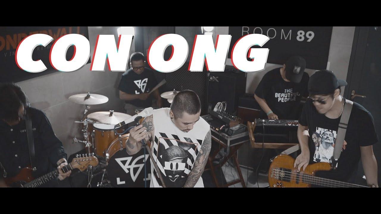 Bụi Gió - Con Ong ft. Tùng Trần (Official Music Video)