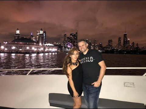 My 1st EVER Booze Cruise 🛥 AMAZING VIEWS Of DOWNTOWN CHICAGO At NIGHT! Jen's Universe ❤️
