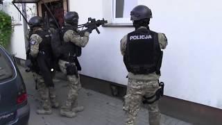 Groził, że ma przy sobie karabin, granaty i zakładnika...