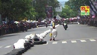 Bondowoso Road Race Diwarnai Aksi Senggol dan Lempar Karung