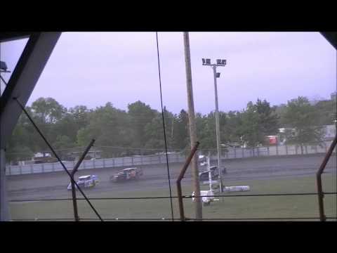 Norman County Raceway 5/24/12 RV Advantage Modifieds Heat 4