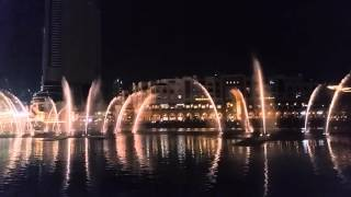 Dubai mall fountain singing famous Chinese song