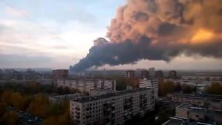 Ужасный пожар на складах в районе метро