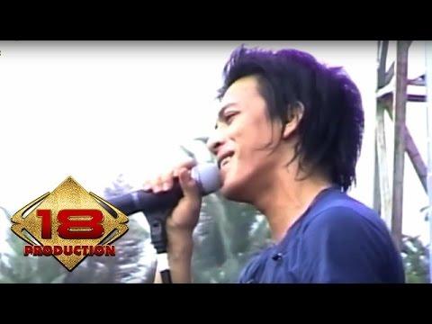 Peterpan - Dibalik Awan  (Live Konser Mataram 4 November 2007)