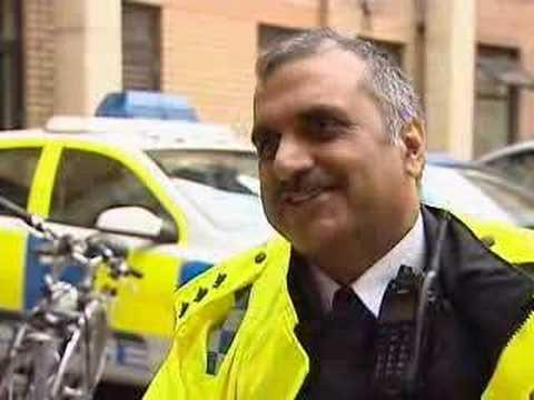 SIKH POLICE CHIEF LEADING ANTI-CRIME IN OXFORD - 0727E
