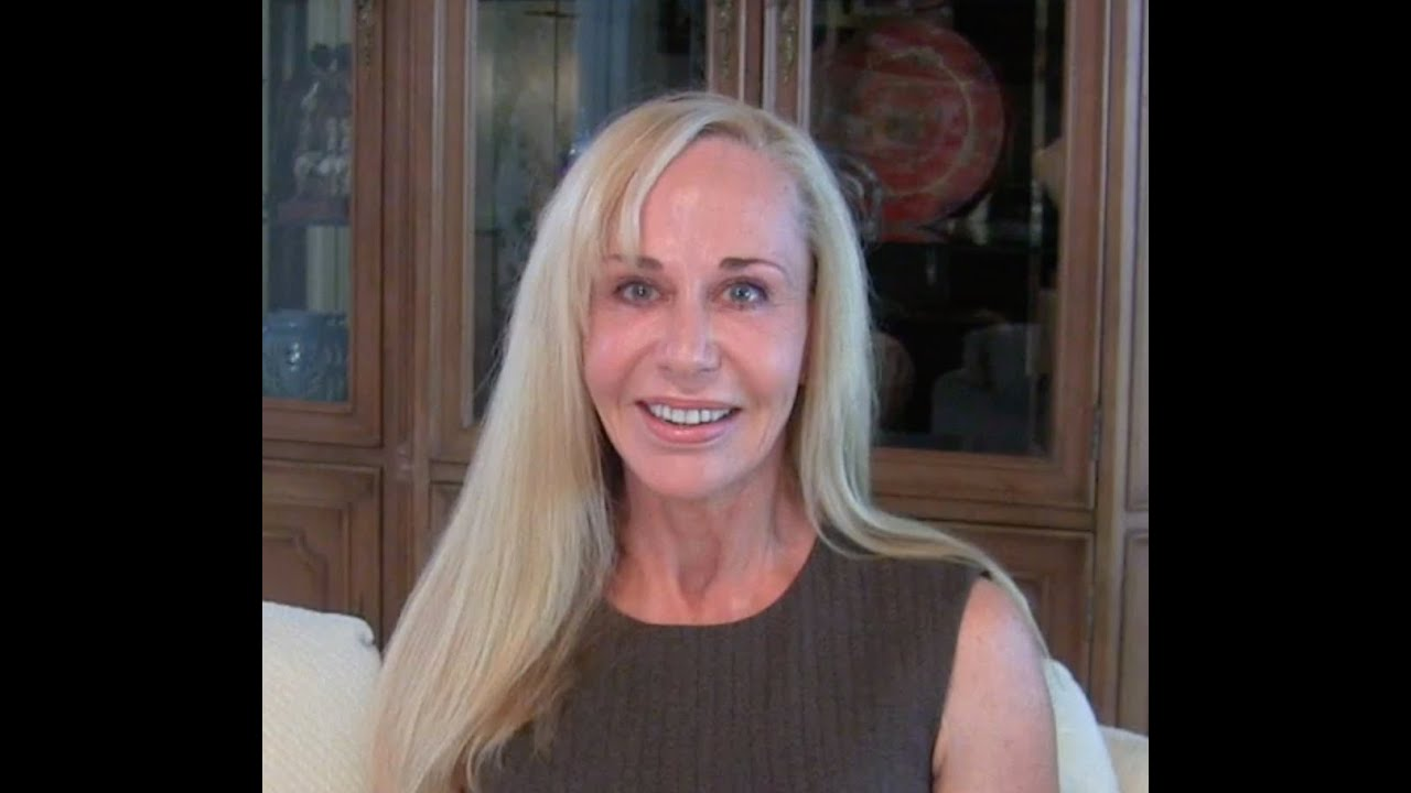 Why Younger Men Love Older Women  Susan Winter - Youtube-1220
