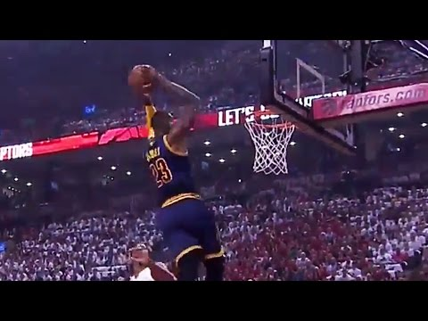 LeBron James Crushes Alley-Oop! 21 First Half Points