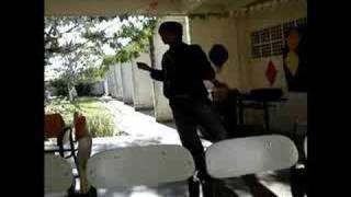 Baixar Rafa. Dançando no Francisco Pereira da Rocha
