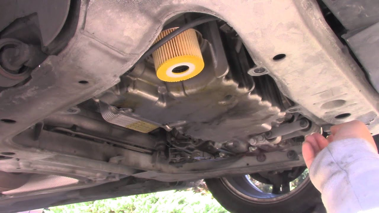 volvo s60 fuel filter location
