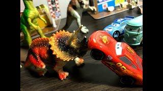 MINIONS, DINOSAURS!!!, Disney Car toys, funny story
