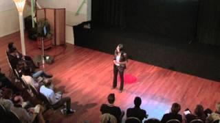 Wie zu lösen, Missverständnisse zwischen den Kulturen: Ching Ping Au in TEDxScheveningen