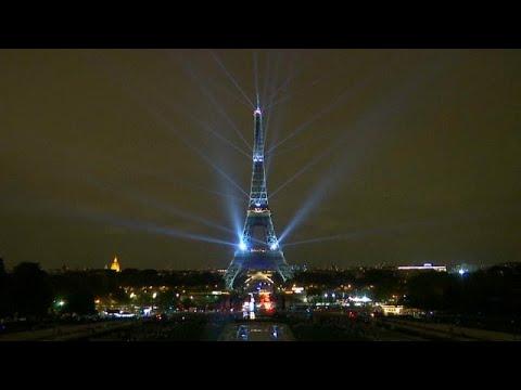 شاهد: برج إيفل يضيء بالأنوار احتفالا بموسم الثقافة اليابانية…  - 09:54-2018 / 9 / 14