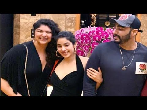 Jhanvi Kapoor  BONDING With Arjun Kapoor During Their Singapore Trip Is Hard To MISS