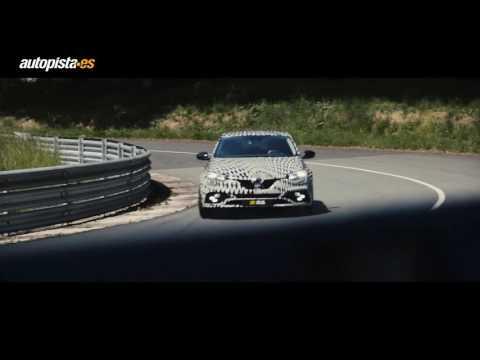El nuevo Renault Mégane RS, en movimiemto